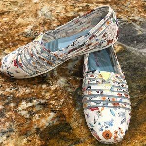 Bobs memory foam slip on shoes size w8